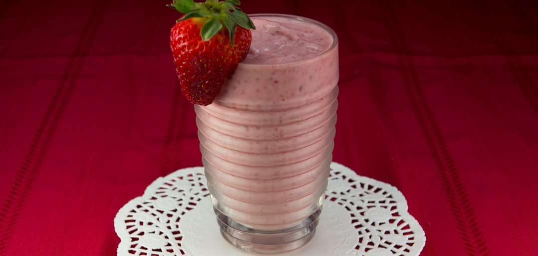 marijuana recipes, vegan strawberry banana smoothie