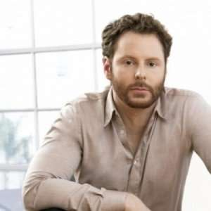 Tech mogul Sean parker might be jumping onto the marijuana legalization game.