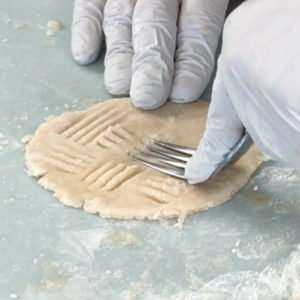 Embossed Top Crust for Mason Jar Lid Marijuana Pies