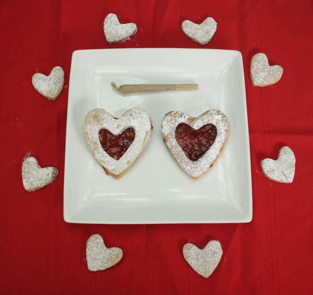 Cannabis Cookies - Lit Linzer Heart Marijuana Cookies