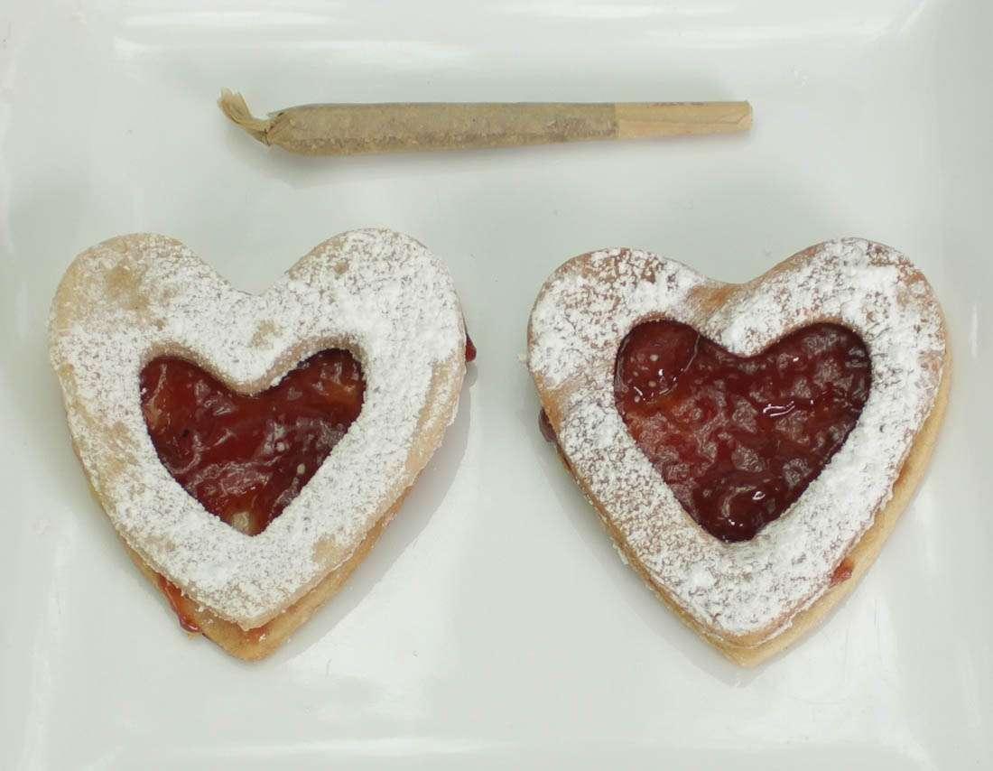 Cannabis Cookies - Lit Lizer Heart Marijuana Cookies
