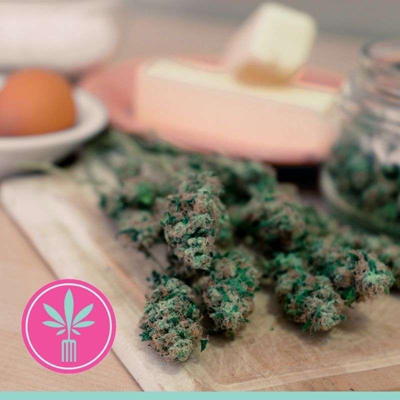 cured dried cannabis flowers