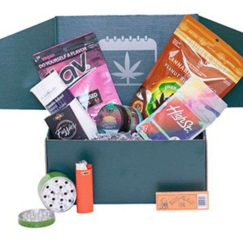Month Leaf Cannabis Subscription Box
